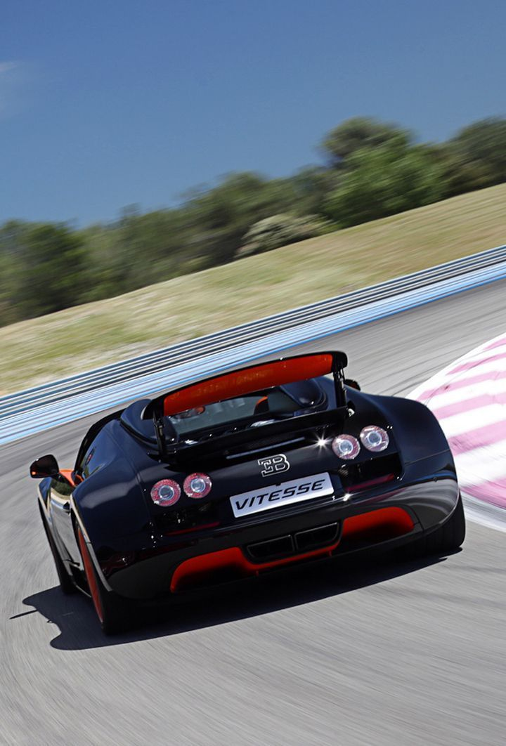 Red Bugatti Sport Cars Computer Theme