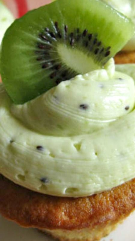 Kiwi Vanilla Cupcakes with Kiwi Buttercream Frosting ~ Refreshing and delicious
