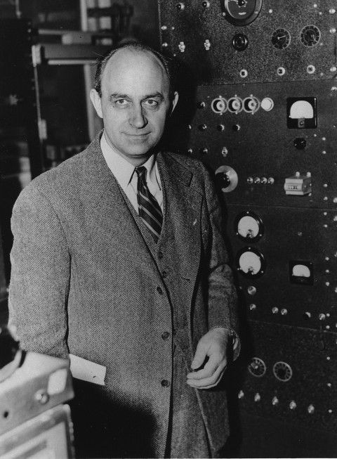 A biography explores the life of Enrico Fermi, one of the great scientists of the 20th century.