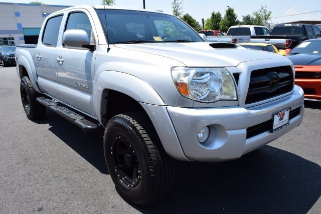 low mileage 2008 Toyota Tacoma Double Cab lifted