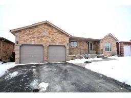 83 LOGAN CT, BARRIE, Ontario  L4N8G7