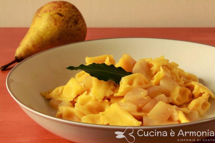 #Pasta fresca ripiena al #castelmagno con #pere e #alloro http://www.cucinaearmonia.com/2014/04/pasta-fresca-ripiena-al-castelmagno-con.html #food #foodblogger #cucinaearmonia