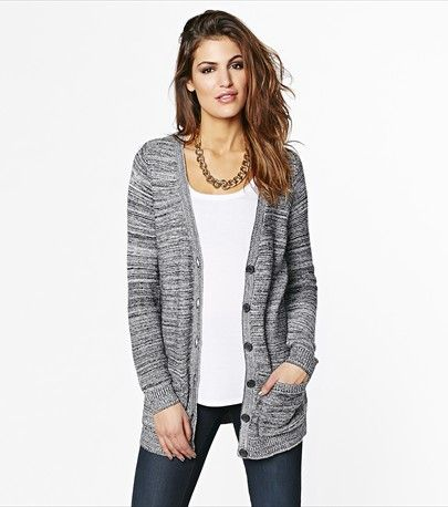 #DYNHOLIDAY Cozy yet glamorous! Thus button cardigan is all you need to achieve casual glam!