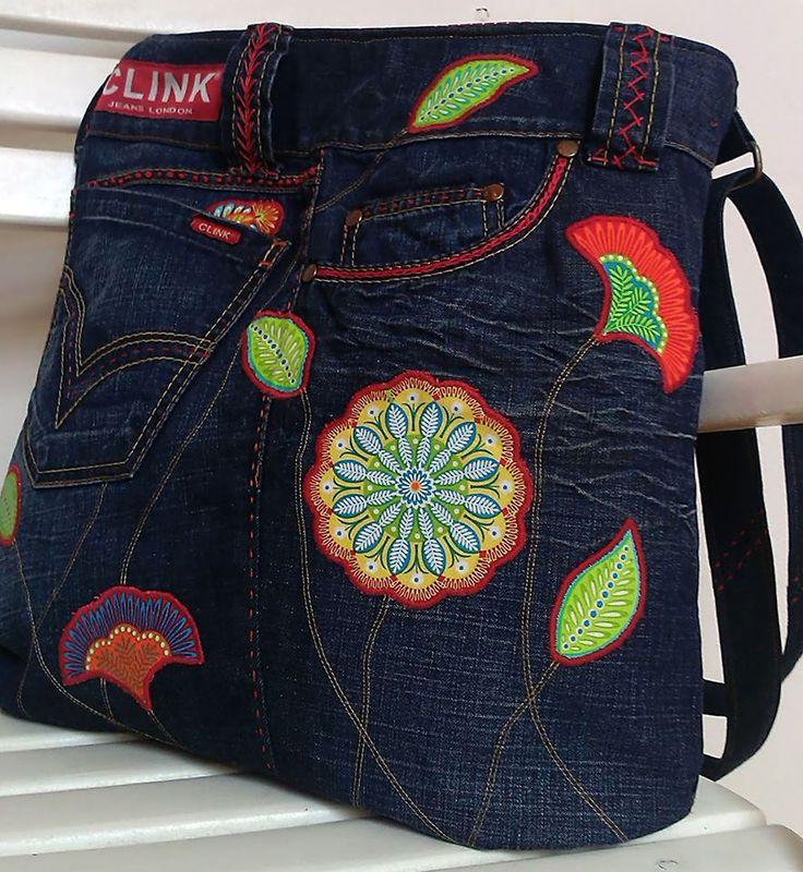 Džínová recy kabelka s aplikací.
