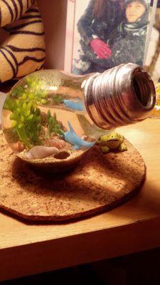 Akwarium w żarówce #DIY — dla chcącego nic trudnego, a ozdoba piękna i nietypowa! Jak wykonać? Zapraszam do przeczytania krótkiej instrukcji: http://www.teoriakobiety.pl/2015/05/diy-akwarium-w-zarowce.html :)