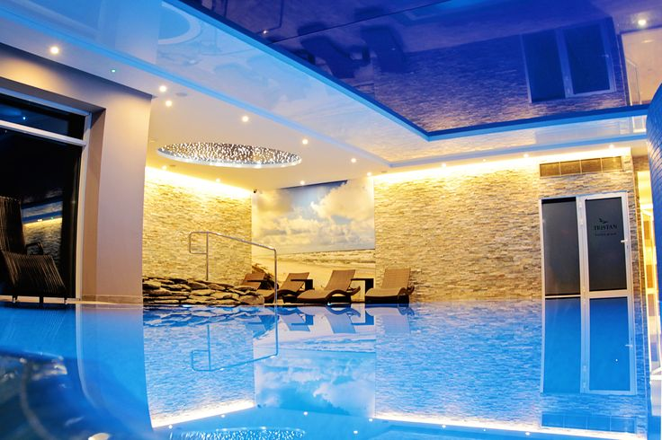 Indoor pool #spa #relax #hotel #wellness #pool