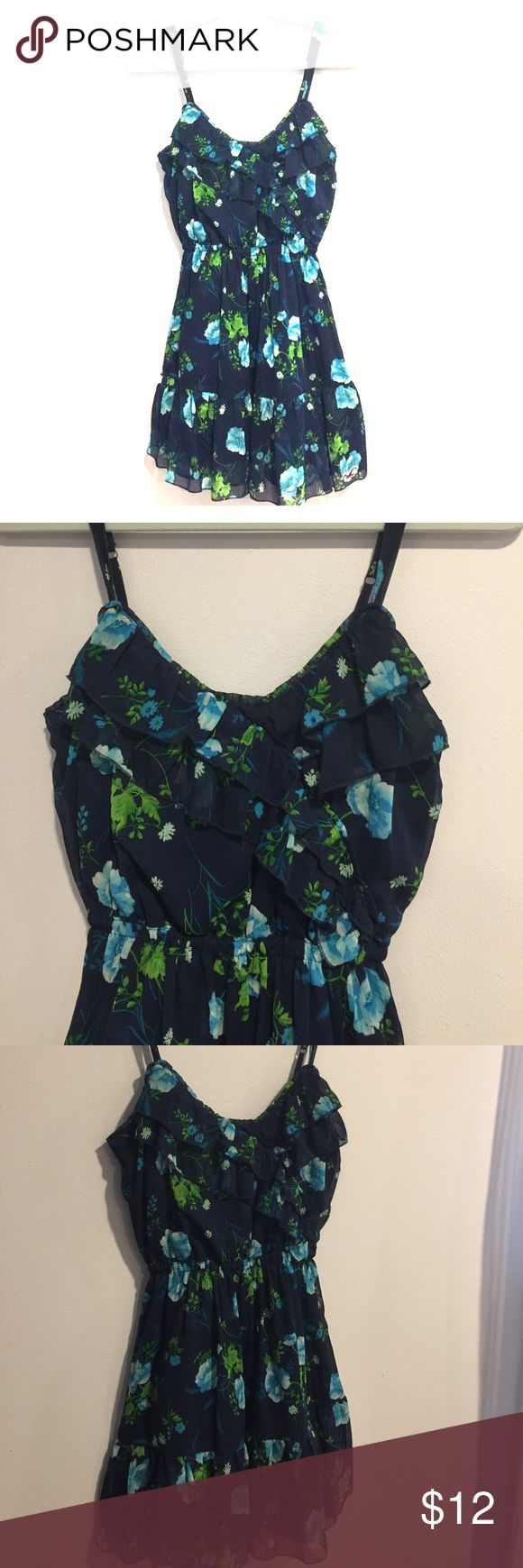 Hollister Navy Blue Floral Dress! Size: S, Hollister Navy Blue Floral Dress! Size: S, Adorable Summer Dress! Super Comfy , Elastic Waist for added comfort! Pair it with flats or heels! Any Questions please Comment! Hollister Dresses Mini