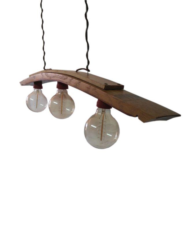 Lampara edison de techo hecha con una duela de madera y con bombillas vintage edison