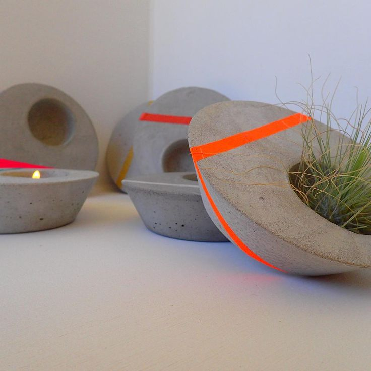 Colour pop! Low Set Tea Lights look great in neutral, metallic or our bright neon colours... #concrete #tealights #colour #neon #airplant #home #decor
