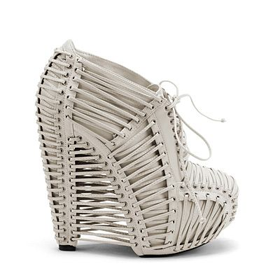 IRIS VAN HERPEN X UNITED NUDE, CRYSTALLIZATION:Oh good lord. Amazing beautifulness! drool!