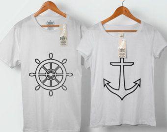 Astronauta y planeta amor pareja camiseta parejas por FreshTshirtCo
