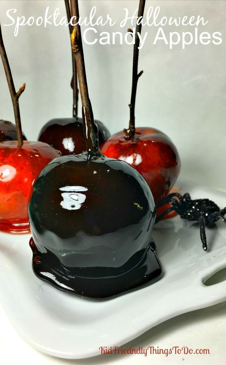Halloween Candy Apples! So stinking easy to make, and I bet you have all of the ingredients in your kitchen right now! - http://KidFriendlyThingsToDo.com
