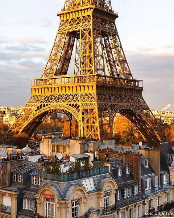 Paris est une Fête! — Paris by Loïc Lagarde. Bonne soirée! Have a nice...
