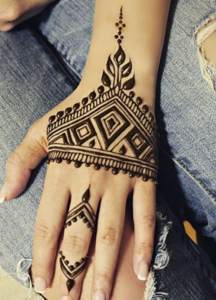 17 best images about mehndi on pinterest henna designs henna and henna patterns. Black Bedroom Furniture Sets. Home Design Ideas