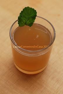 Agua de linaza con limón