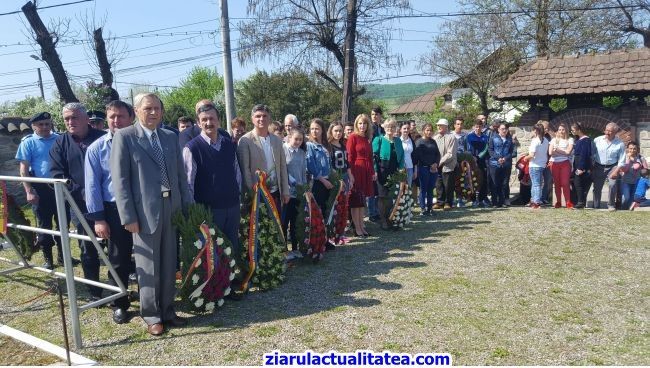 -VIDEO- Ceremonia dedicată Zilei Forțelor Terestre organizată la Curtea de Argeș!