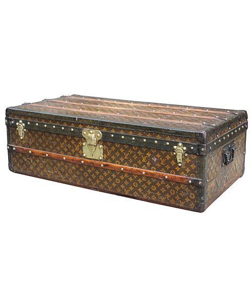Lv Trunk Coffee Table: 40 Best Antique Trunks Images On Pinterest