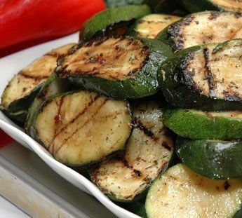 Barbecued courgettes with garlic and mozzarella