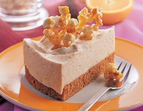 Für den Buchweizenboden Tortenform mit KRONENÖL SPEZIAL mit feinem Buttergeschmack ausstreichen und mit Mehl ausstauben. Backofen auf 160°C (Ober-