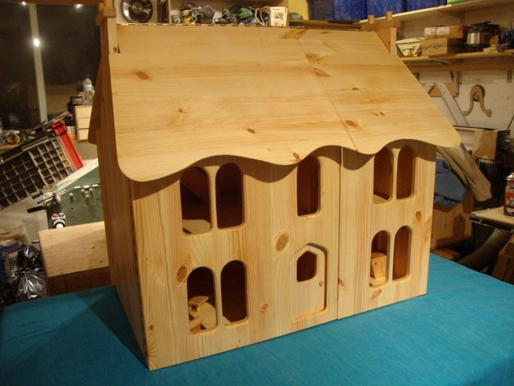 For Sale - Jasmine Shaker solid oiled pine award winning dolls house for sale - The Dolls House Exchange