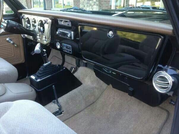 1970 K5 Blazer With Custom Tahoe Interior Vintage Air