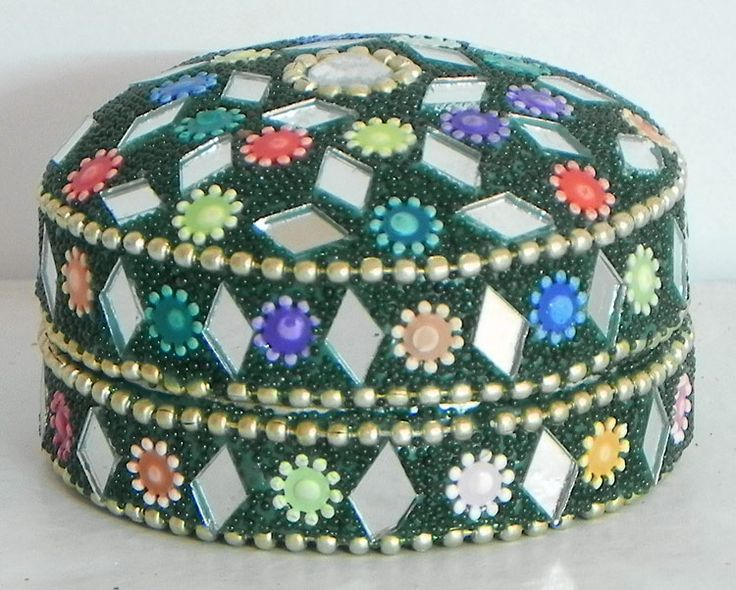 Multicolor Kumkum Containers with Mirror Work (Metal))