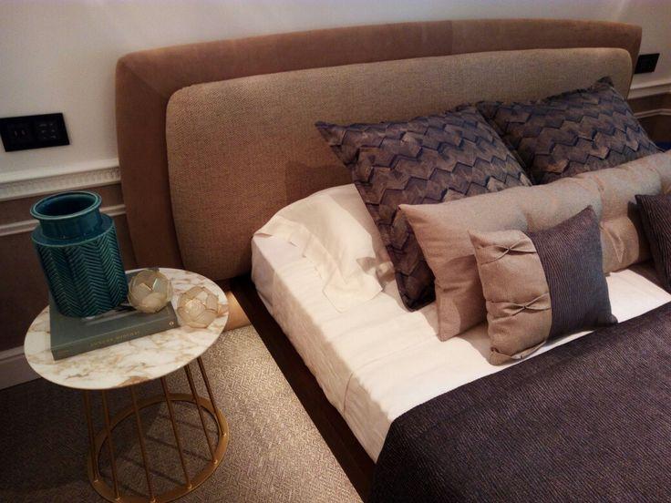 Yugen in Casa Decor 2017 Madrid, España.Sober and elegant style for Yugen bed of Fimes.  #bed #nightstand #bedroom #closet #slidingdoors #leafdoors #interiordesign #design #modern #contemporary #madeinitaly #salonedelmobile #fieradelmobile #isaloni #fieramilano #luxury #glamour #artdeco #fimes #dresser #tvunit #sofa #mirror #silver #gold #leather #glossy  #bookcase #walkingcloset #cornerbed #coplanar #leather #ilsalonedelmobile2017 #milanodesignweek2017 #casadecor2017