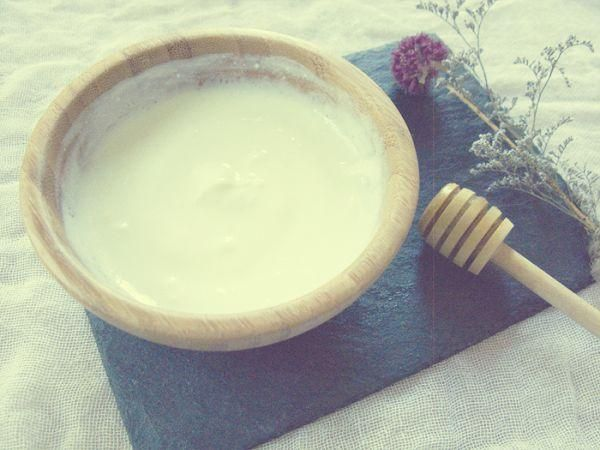 Yogur & miel pero no para comer, sino para hidratar la piel