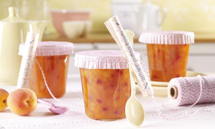Pfirsich-Aprikosen-Konfitüre Rezept | Dr. Oetker