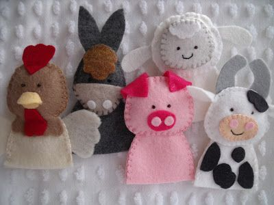 Felt farm animals. The blog host makes these in PA to sell at craft shows. Really sweet.
