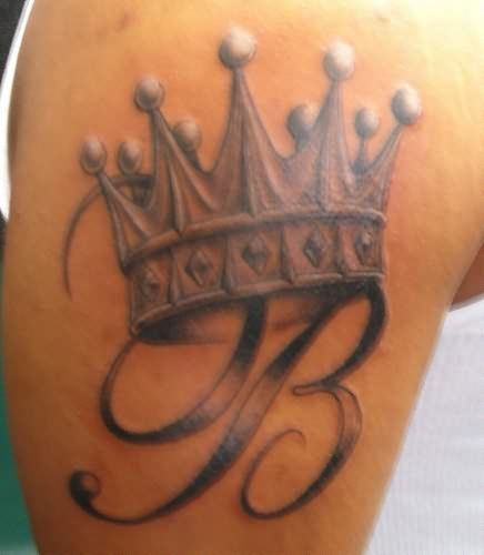 nice Crown Tattoo over an initial:) hmm... maybe i shouldn't be looking....lol