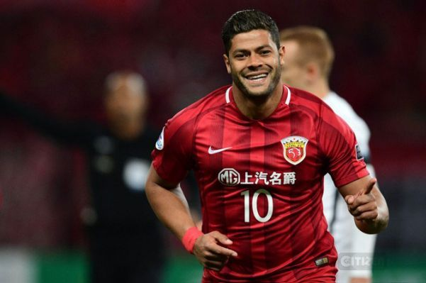 Hulk Is A Brazilian Professional Footballer He Currently Plays For Shanghai Sipg As A Forward And As A Winger His Full Name I Hulk Footballer Top Soccer Hulk