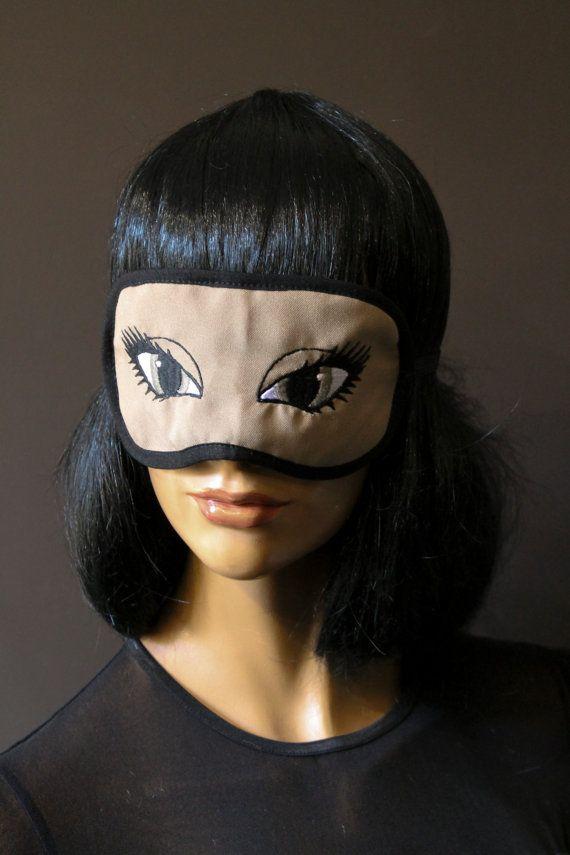 Masque de sommeil masque de nuit beige sable brodé yeux de biche vert olive molleton coton double épaisseur satin noir élastique