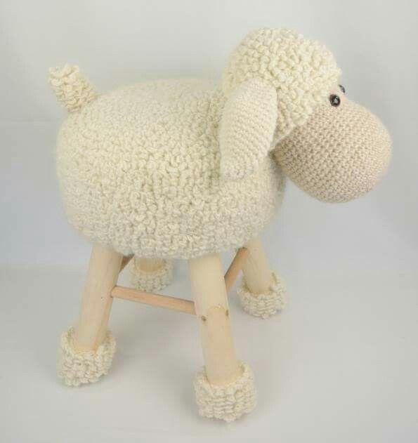 Lamb stool crochet