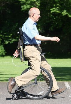 New application of the unicycle. Looks like it would greatly reduce pressure on the lower extremities!