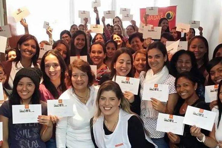 Jóvenes universitarias apoyan actividades de educación de género de Inmemujer - http://www.notiexpresscolor.com/2016/10/15/jovenes-universitarias-apoyan-actividades-de-educacion-de-genero-de-inmemujer/