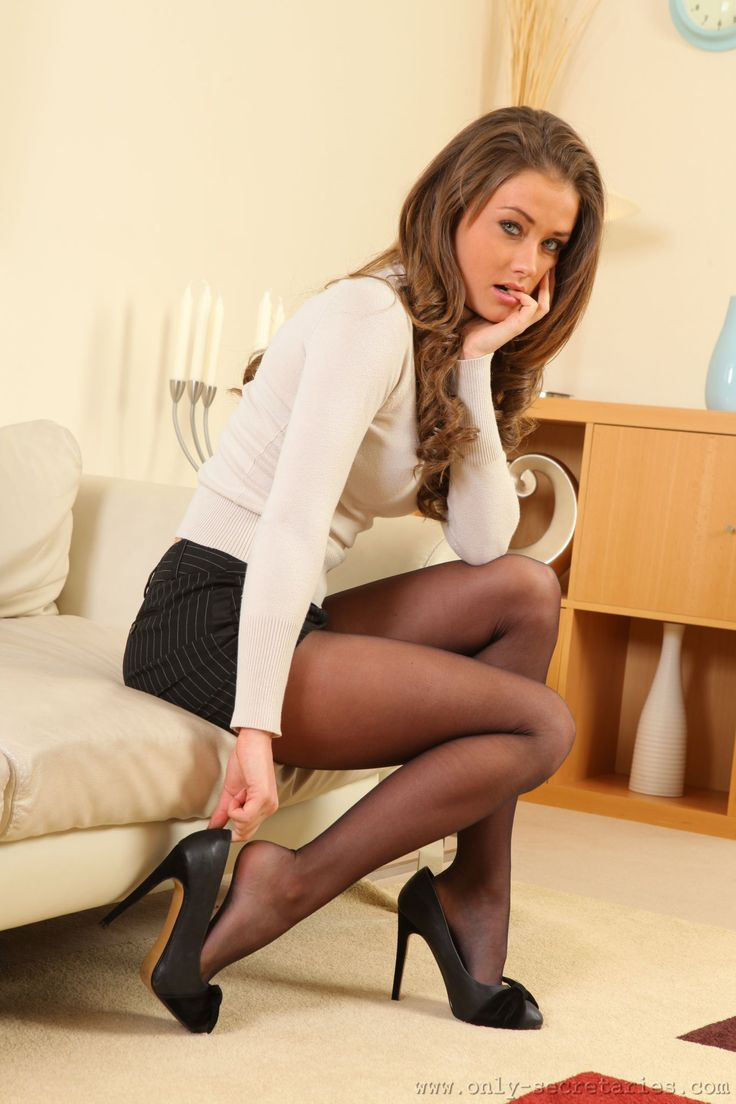 Your Pantyhose Ladies See 32