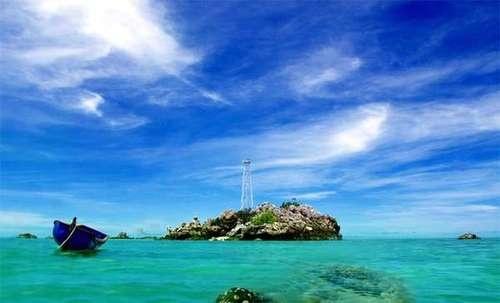 Pulau Sekatung (Sekatung Island), Natuna, Kepulauan Riau, Indonesia. One of many Indonesian islands that is bordered with Malaysia.