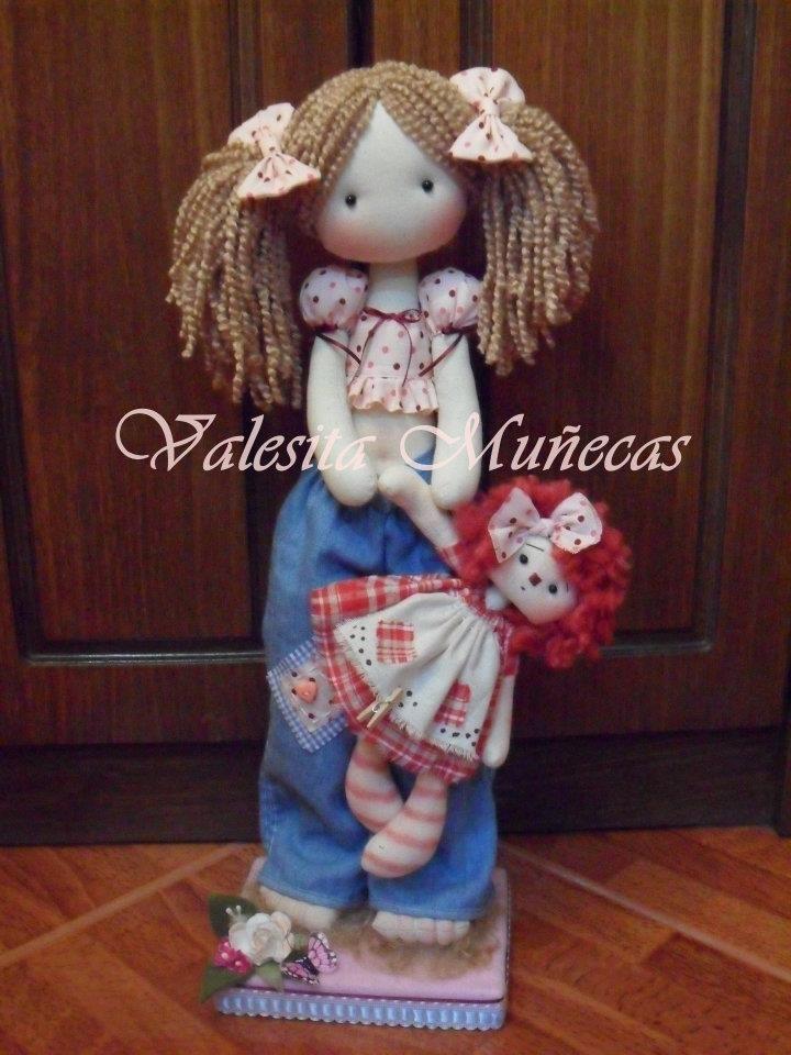 Anny y su muñequita, muñecas hechas a mano <3
