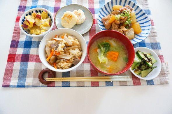 鶏.大根・蒟蒻の煮もの×五目炊き込みご飯