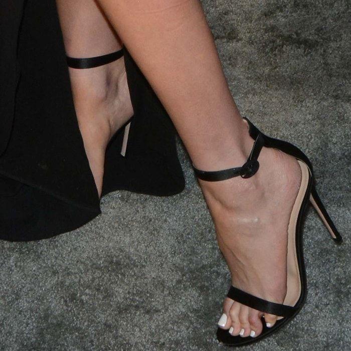 d1b6dcb1f236 Olivia Culpo showing off her feet in Gianvito Rossi  Portofino  sandals