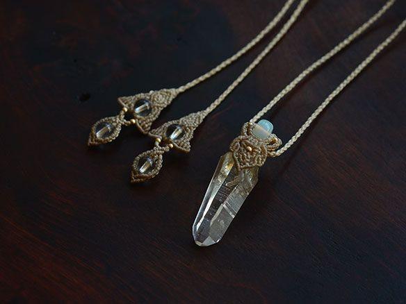 インド・マニカラン産水晶×エチオピアオパール/天然石ネックレス - 天然石アクセサリー通販|ARTEMANO(アルテマノ)