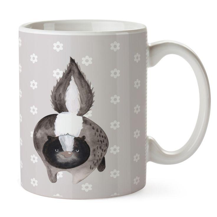 Tasse Stinktier Angriff aus Keramik  Weiß - Das Original von Mr. & Mrs. Panda.  Eine wunderschöne spülmaschinenfeste Keramiktasse (bis zu 2000 Waschgänge!!!) aus dem Hause Mr. & Mrs. Panda, liebevoll verziert mit handentworfenen Sprüchen, Motiven und Zeichnungen. Unsere Tassen sind immer ein besonders liebevolles und einzigartiges Geschenk. Jede Tasse wird von Mrs. Panda entworfen und in liebevoller Arbeit in unserer Manufaktur in Norddeutschland gefertigt.     Über unser Motiv Stinktier…
