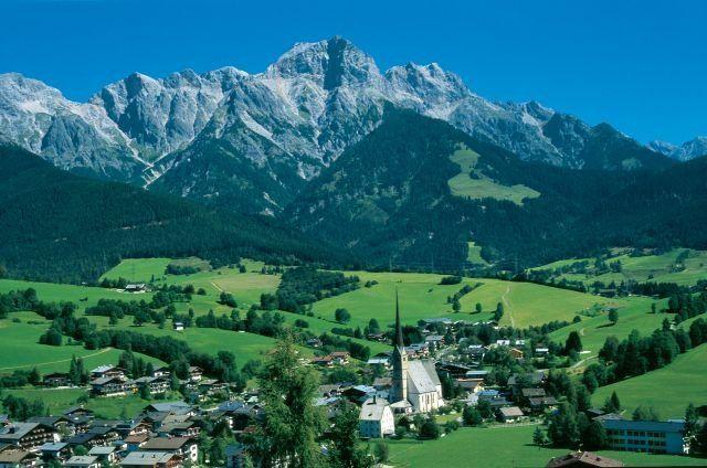 In de winter skieden we hier. Grappig om nu alles in het groen ipv in het wit te zien. Ook mooi!  *Juli 2013*