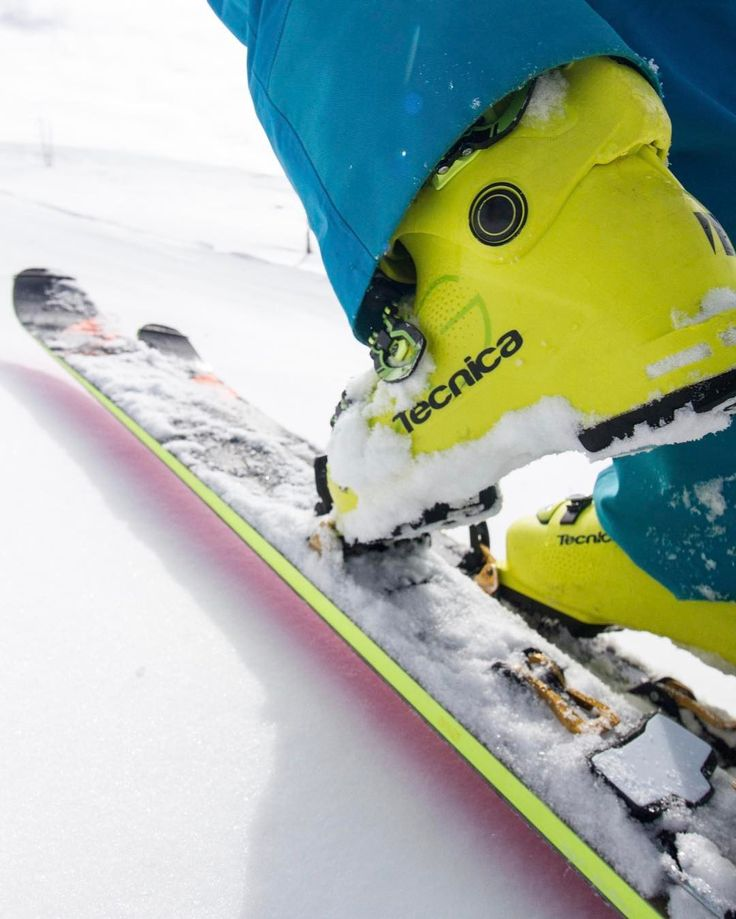 The new @tecnicaskiboots Zero G ski boots are either the lightest performance alpine boot or the most progressive feeling performance touring boots we've seen. Both are good things. #evoexplores #tecnica #ski #touring