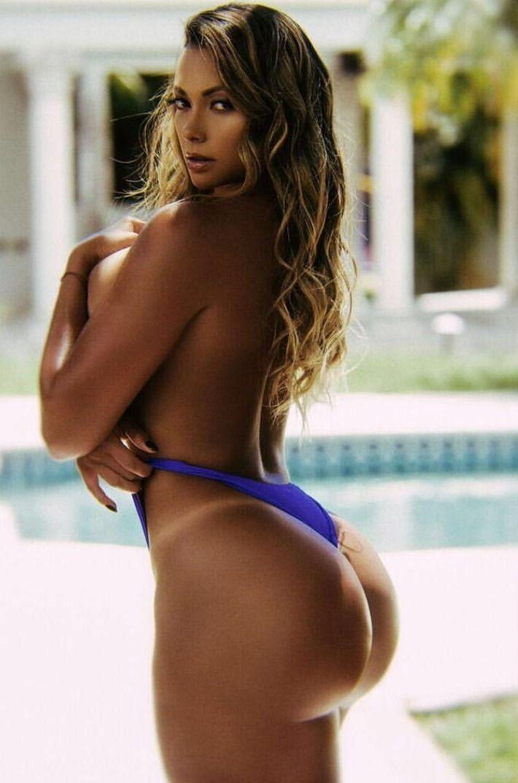 Pin tillagd av Lara Lee på Maria Villalba i 2019   Bikinis ...