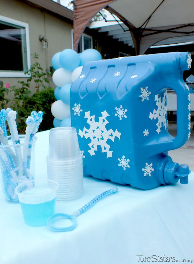 This Frozen DIY Bubble Station is a great activity for an outdoor Frozen Birthday Party. Kids can use the Bubble Dispenser to get their own DIY bubble solution and let the fun commence!  For more fun Frozen Party Ideas, follow us at http://www.pinterest.com/2SistersCraft/