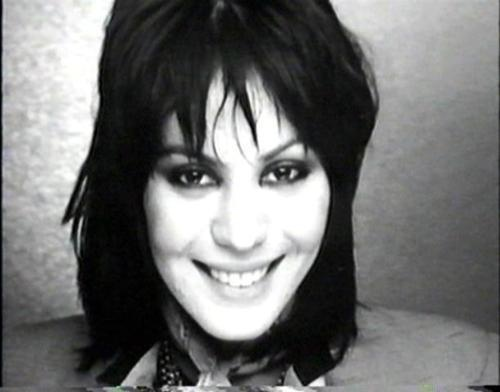 joan jett a biography essay Joan marie larkin, 22 september 1958, philadelphia, pennsylvania, usa jett was one of the most successful us female singers to emerge from the rock scene of the 70s.