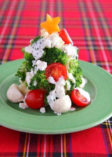 クリスマスツリーサラダ のレシピ・作り方 │ABCクッキングスタジオの ... クリスマスにピッタリのサラダを作ります。 組み立てはお子さんと一緒に!カリフラワーを使うと、ホワイトクリスマツリーになりますよ。