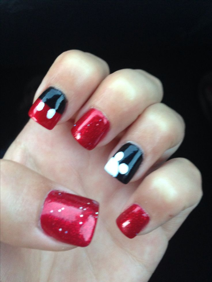 Disney world nails! Love Mickey